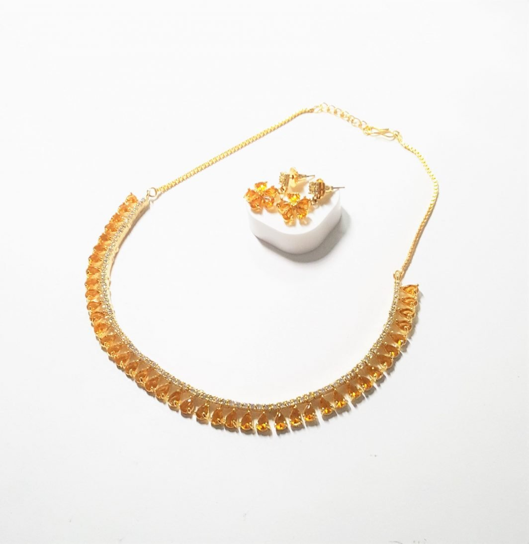 Simple Mustard Necklace with Earrings