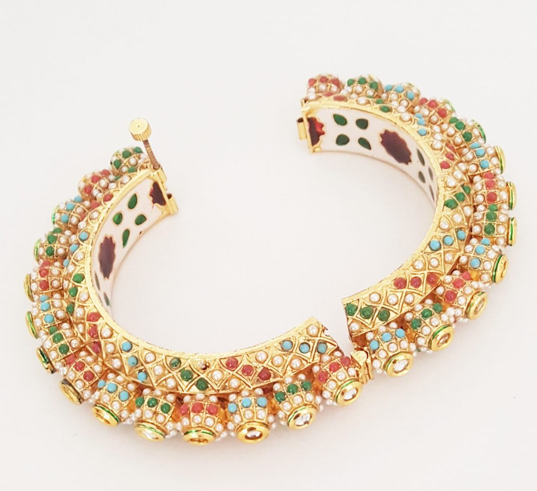 Golden Bracelet with Kundan Stones