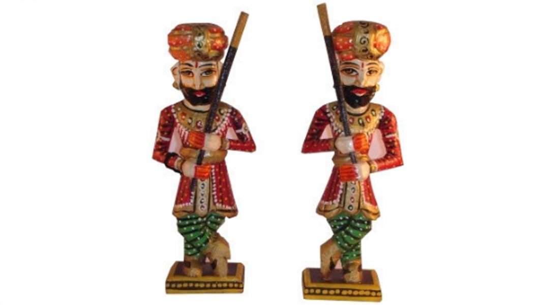 Handcrafted Guards Men Figurine Set